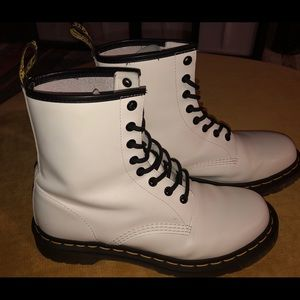 Doc Martens White, Size 9, Like New